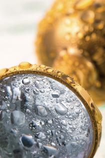 Анальная втулка Metal by TOYFA, металл, золотистая, с белым кристаллом, 7,5 см, Ø 3 см, 145 г