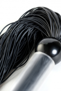 Флоггер TOYFA Theatre  с резиновыми хвостами,чёрный ,26 см