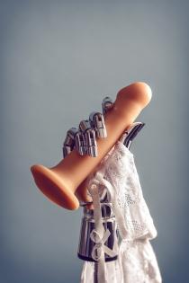 Ремневой нереалистичный страпон на присоске Strap-on-me, L, силикон, телесный, 19 см