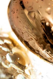 Анальный страз Штучки-дрючки, металл, золотистый, с кристаллом цвета аметист, 7 см, Ø 2,8 см, 50 г